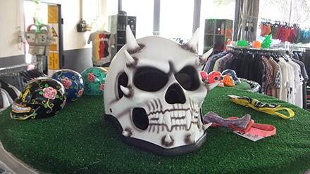 Fun-Helme und Dia de los Muertos Totenköpfe (Mexico)