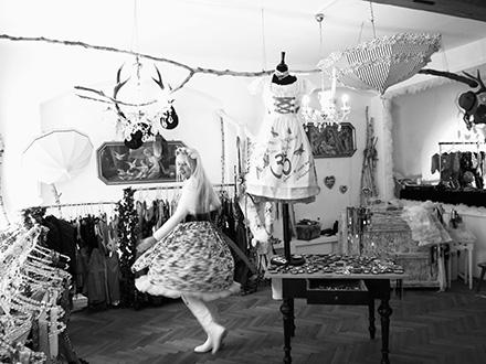 Dirndlirium Dirndl in Bamberg bei Kaufhaus Schrill Festliche Kleider