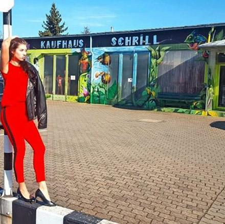 Cindy Unger GNTM 2016 im Kaufhaus Schrill Styles