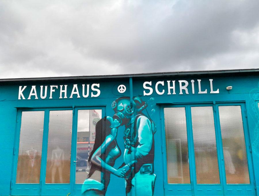 Neues Graffiti vom Kaufhaus Schrill